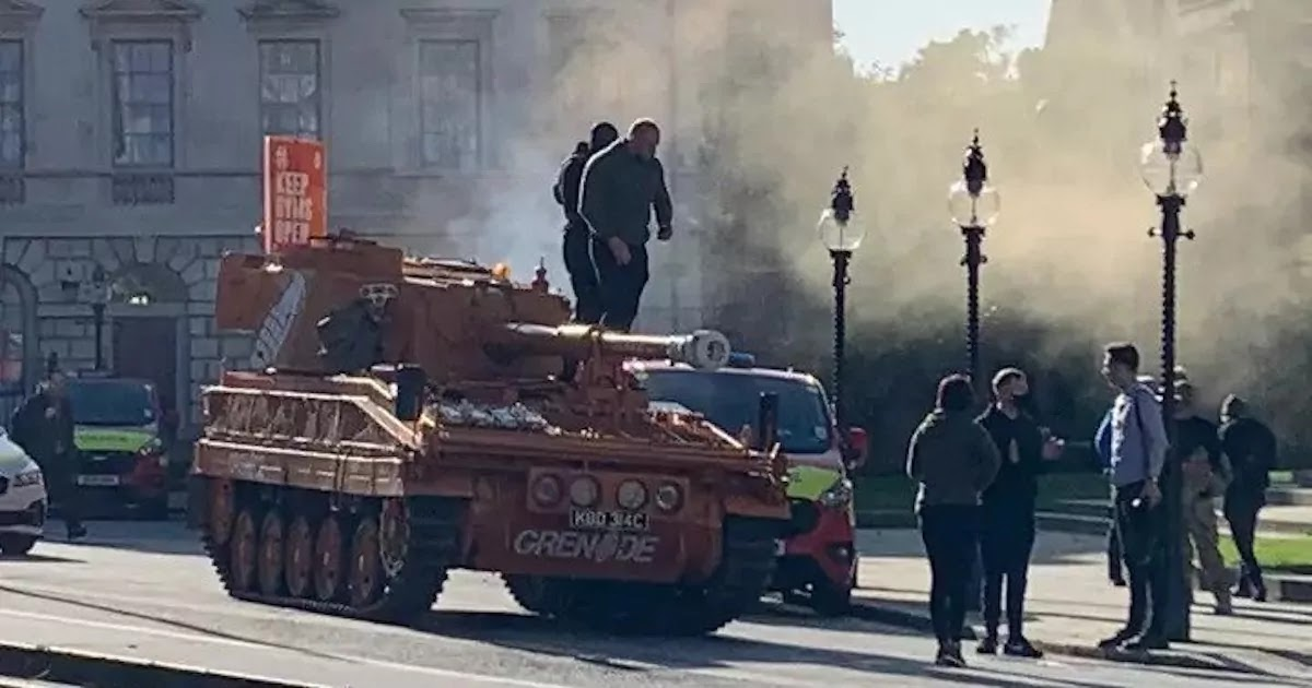 UK Protesters Drive Tank To Houses Of Parliament Demanding That Gyms Are Kept Open
