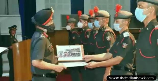IMA POP 2021: IMA Commandant, Lt Gen Harinder Singh Presenting Awards  to Getleman Cadets