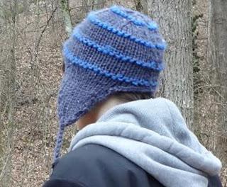 ...FREE PATTERN...Super Simple Snowboarding Earflap Hat ...