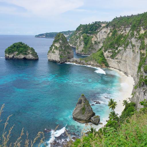 16 Pantai terbaik di Nusa Penida yang wajib Untuk Dikunjungi, pantai atuh