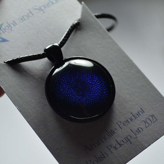 deep blue pendant necklace