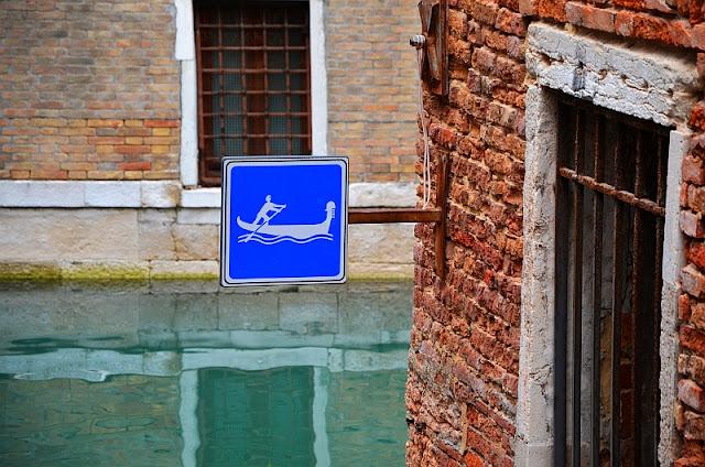 Jak je to s dopravními předpisy v Benátkách, godola, gondoliér, doprava v Benátkách, kam v Benátkách, co vidět v Benátkách, benátské kanály,