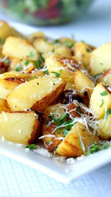 mlode ziemniaki,jak przygotować młode ziemniaki,sałatka z iemniaków,ziemniaki do obiadu,dodatek do obiadu,dodatek do mięsa,top blog kulinarny,z kuchni do kuchni,