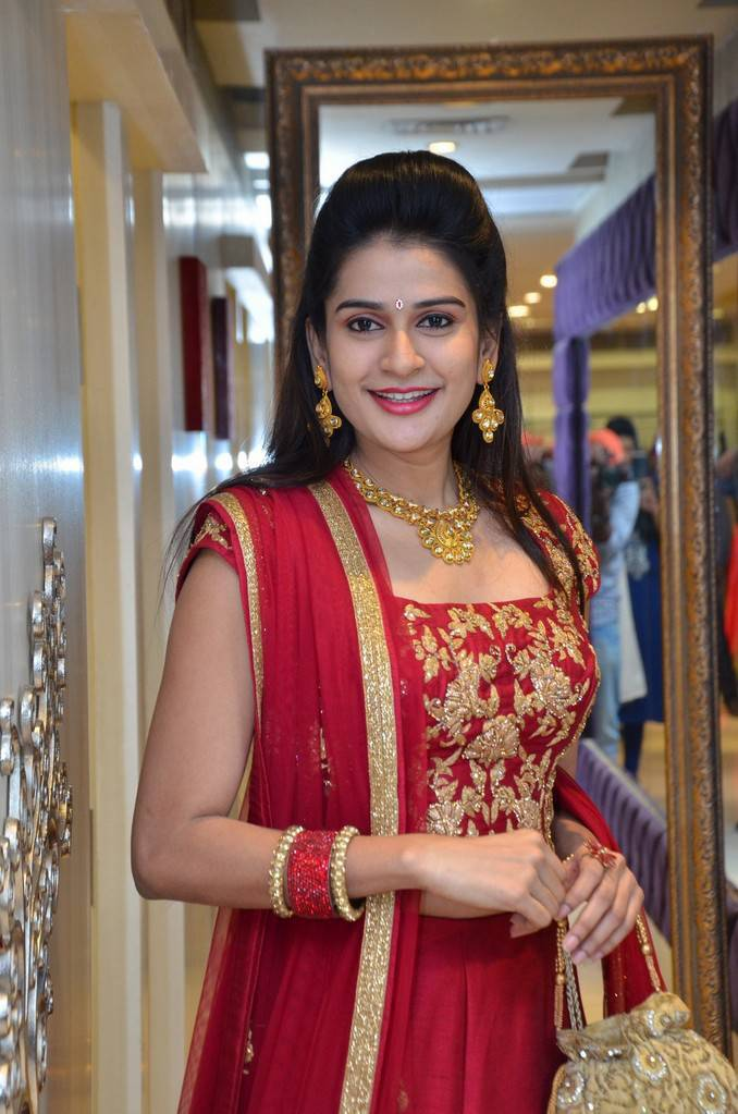 Jenny Honey At Splurge Divalicious Curtain Raiser Event Stills