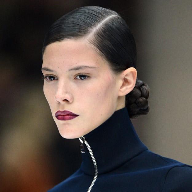 Explicación probar peinados con tu foto Fotos de las tendencias de color de pelo - La moda en tu cabello: Recogidos con la raya a un lado - 2015