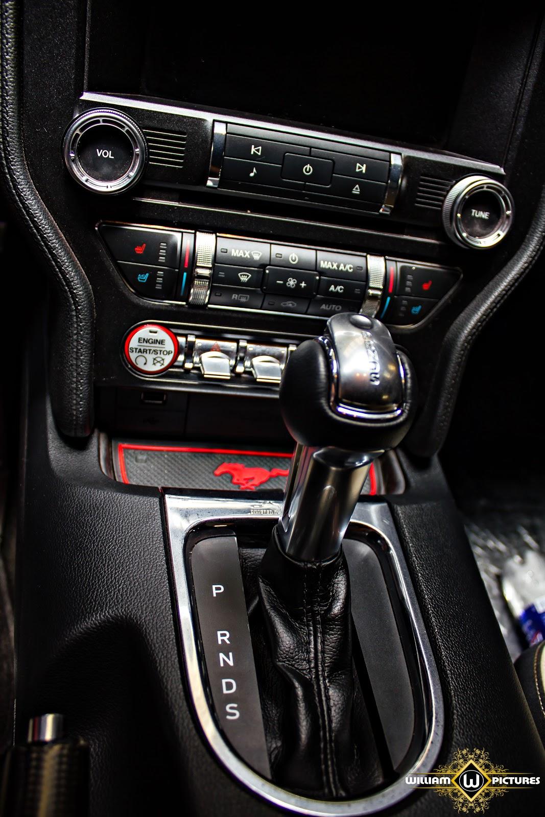 Xe được trang bị hộp số tự động, nhiều chế độ lái tuyệt vời
