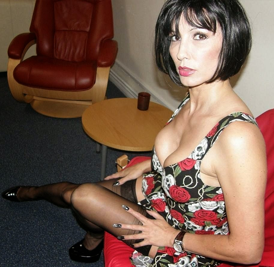 Lonely Wives Sex 60