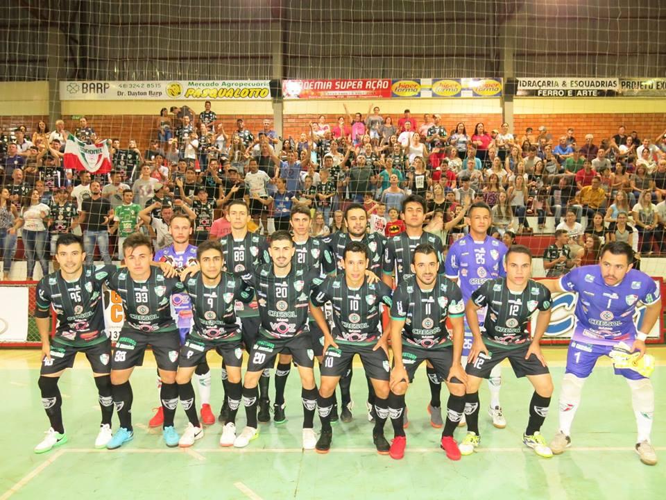 1746e36b14 Hoje à noite (29 05) acontece a tão esperada final da 10ª Copa Rádio  Chopinzinho Doce Docê de Futsal no Centro Esportivo Municipal Deonisto  Debona na cidade ...