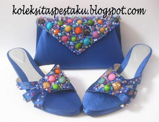 Tas Pesta dan Sepatu Sandal Pesta Biru Elektrik Payet Warna Warni