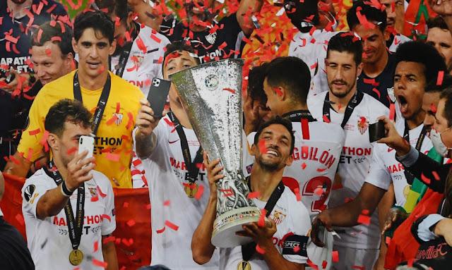 إشبيلية الاسباني يتوج بلقب الدوري الأوروبي للمرة السادسة في تاريخه  بعد فوزه على الانتر الايطالي بنتيجة 3-2