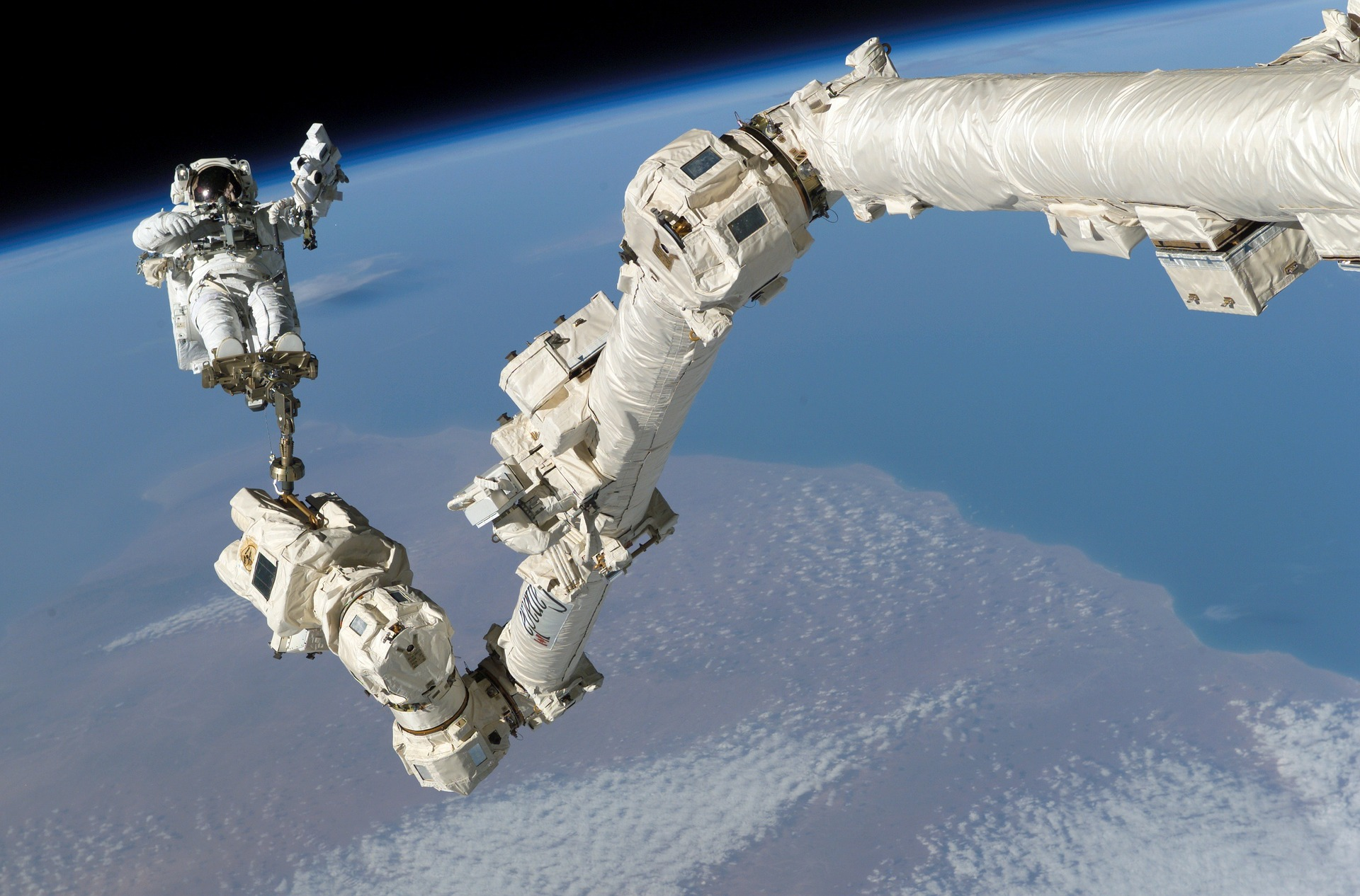 A New Innovative Invention That Will Help Astronauts Jump In Zero Gravity To Maintain Their Bone Density In Space