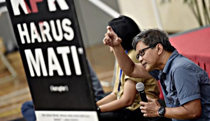 Kejagung Terbakar, Rocky Gerung Tampar Mahfud MD: Mending Kau Diam Saja!
