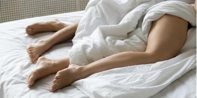 brote de herpes dolor pélvico