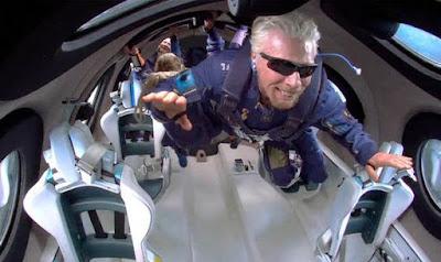 एक हफ्ते पहले रिचर्ड ब्रैनसन अंतरिक्ष गए थे