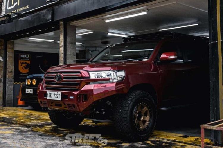 Toyota Land Cruiser độ Atoy Customs bất chấp mọi địa hình