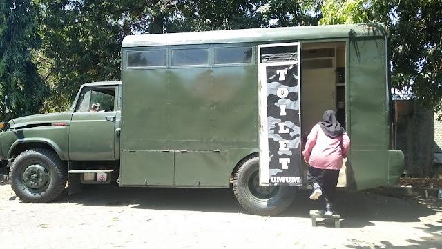 Toilet Dadakan Antik: Mobil Dinas TNI AD Warnai PBAK 2019
