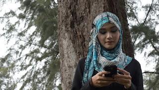 Wahai Istri, Hindari Chatting tak Penting dengan Lelaki Lain
