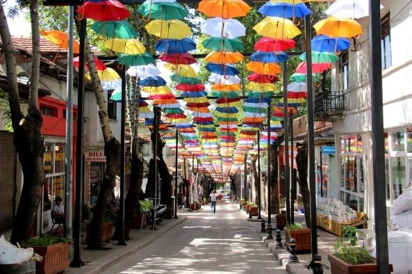 Çankırı şemsiyeli sokak
