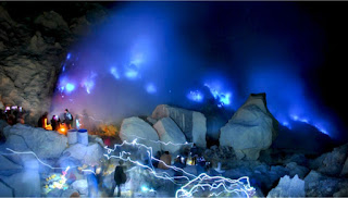BLUE FIRE AT IJEN CRATER