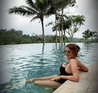Potret Seksi Tamara Bleszynski Dapat Komentar Julid Netizen: Masuk Neraka Sampai Bawa Orang Tua