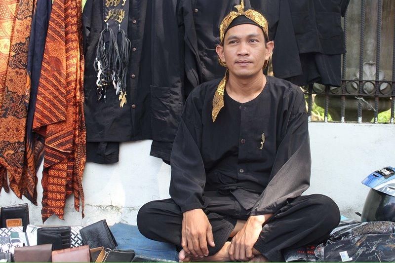 Pakaian Adat Sunda