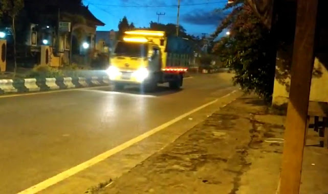Selain Melanggar Aturan Undang-Undang, Angkutan Batubara Yang Melintas Jalan Kota Tamiang Layang Dituntut Warga Jeweten