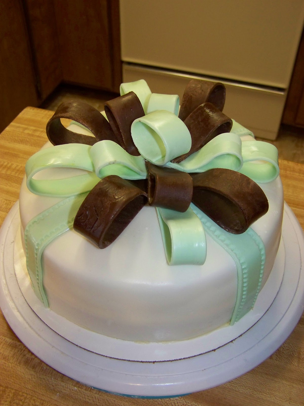 Cake A Licious Mint Green Amp Chocolate Birthday Present Cake