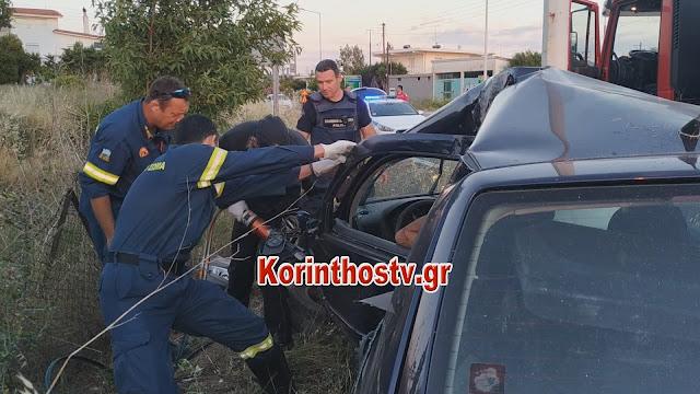 Αυτοκίνητο καρφώθηκε σε κολόνα στην Κόρινθο - Από θαύμα γλύτωσε ο οδηγός (βίντεο)