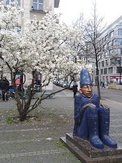 Skulptur Sternenwächter, Christine Gersch, Caroline-Herschel-Platz