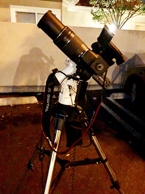Setup with 300mm DSLR on polar alignment mount (Source: Palmia Observatory)