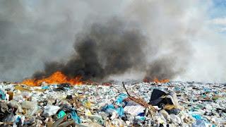 Incêndio consome 50% de lixão em Patos