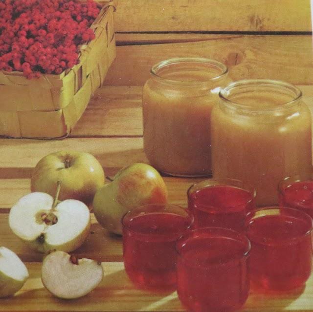 Recept på Äppelmos, Rönnbärsgelé och Ingefärspäron