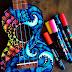 Salty Hippie, utiliza guitarras como sus lienzos para pintar