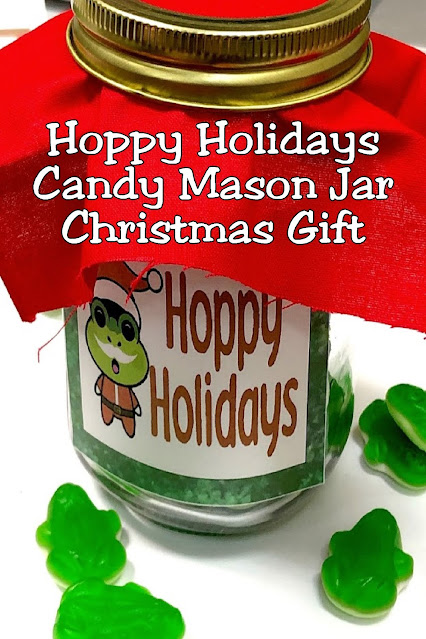 Have a fun and easy Christmas with this easy candy mason jar gift idea. By planning all your Christmas gifts now for friends, family, coworkers, teachers, and more, you'll be enjoying Hoppy Holidays this December.