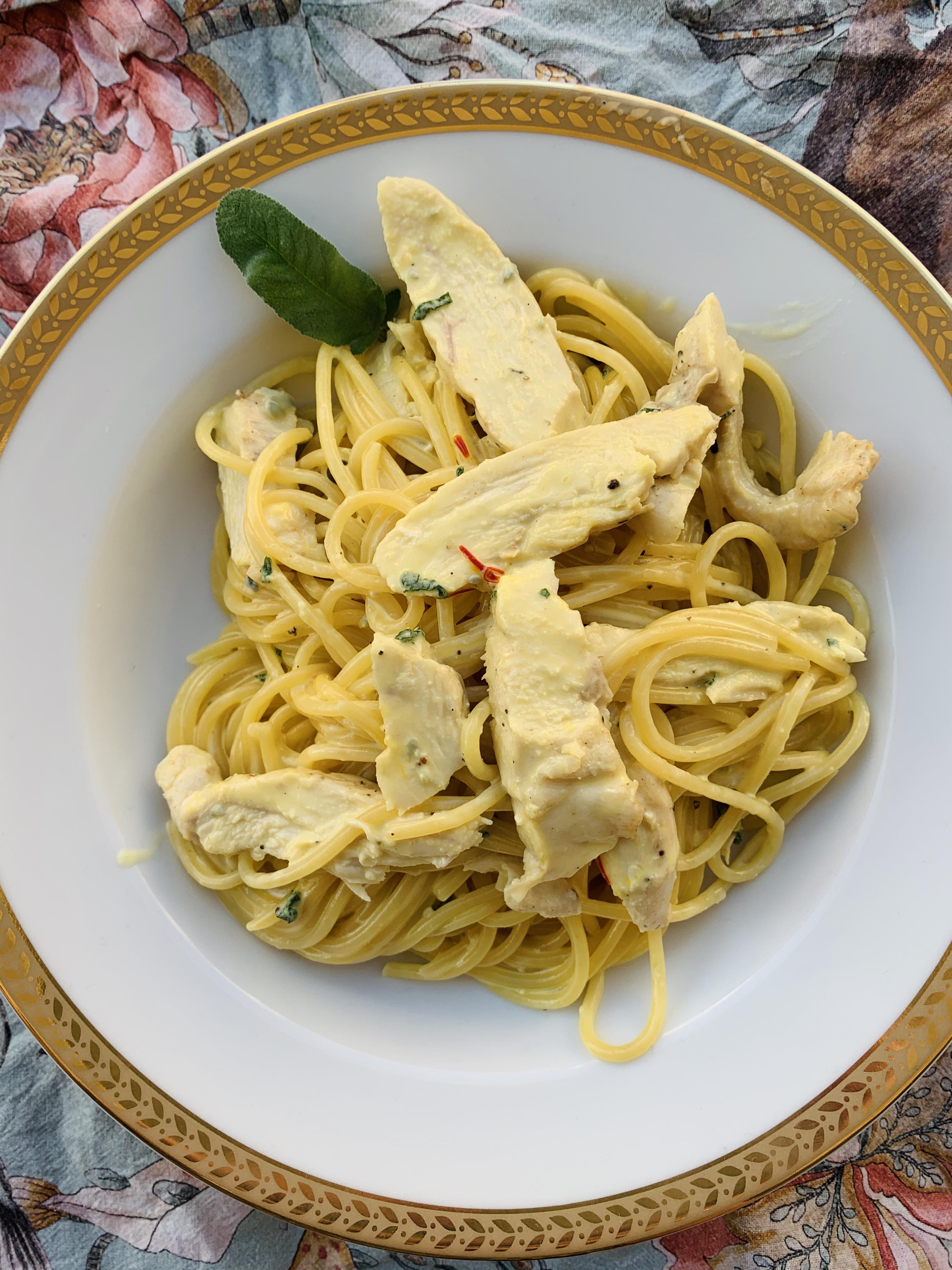 Spaghetti z szałwią i gorgonzolą