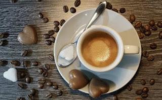 Cangkir Kopi Kafe