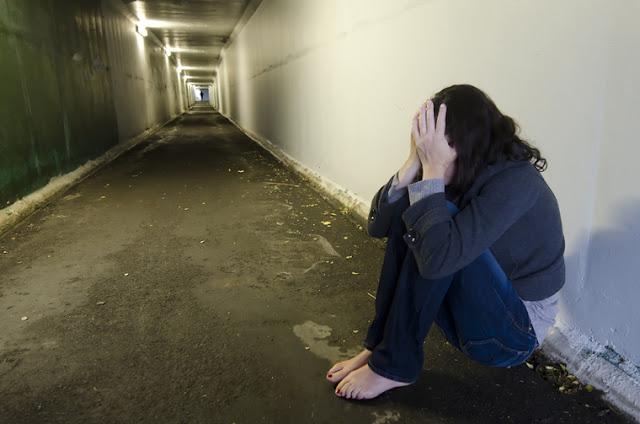 «Крыс совет»: алтайские школьницы изнасиловали подругу бутылкой из-за «лизуна» и слайма