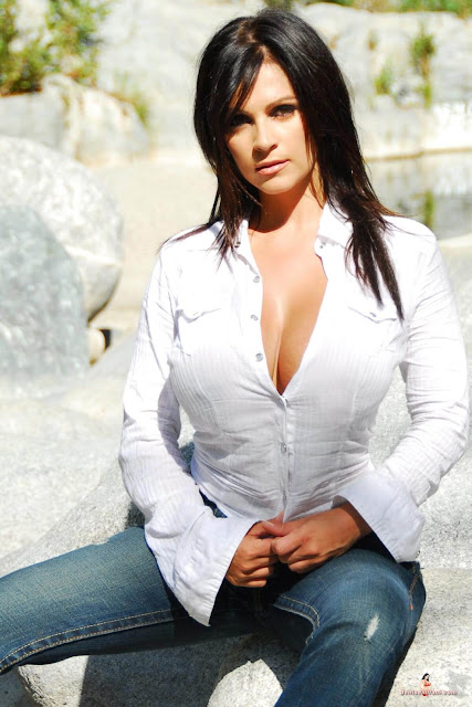 hot-sexy-Denise-Milani-Bear-Creek-picture-16