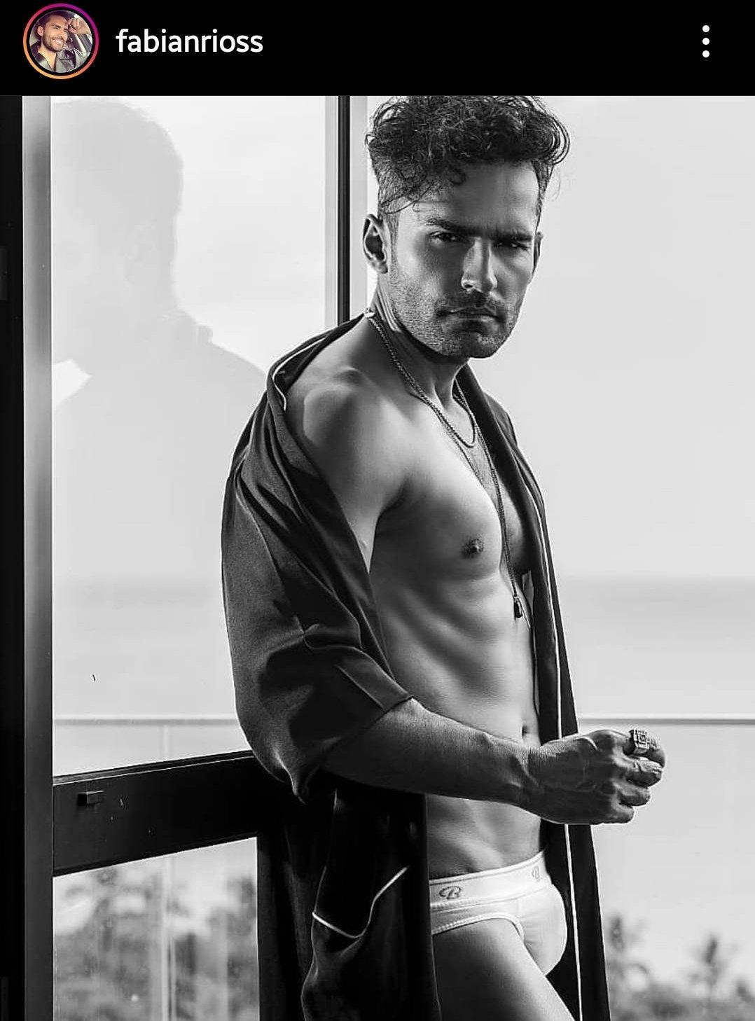 en calzoncillos actor colombiano