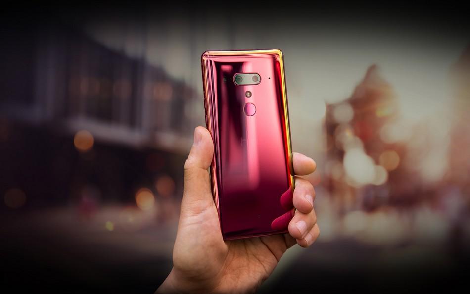 HTC تُشوق لقدوم هاتف ذكي جديد قبيل عودتها إلى السوق الهندي