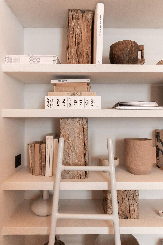 ilaria fatone - A Comforting Wabi-Sabi Space - library detail