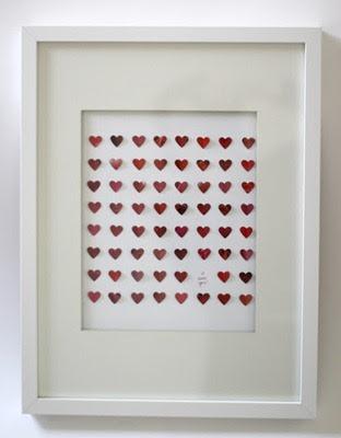 cuadro con corazones rojos