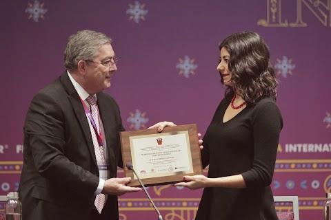 #MujeresEnLaFIL Entregan el Premio Ciudad y Naturaleza José Emilio Pacheco a Claudia Cabrera | Redacción Bitácora de vuelos