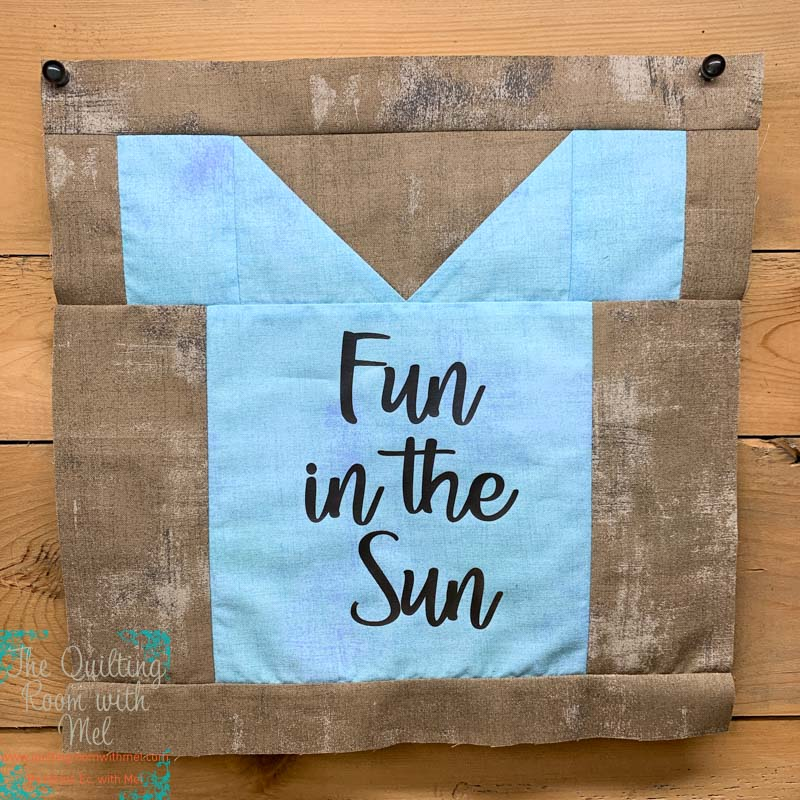 Having some fun in the sun with this t-shirt quilt block for quilt block mania
