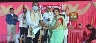 गोविंदपुरम कॉलोनी में कोरोना योद्धाओं का किया गया सम्मान