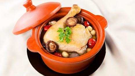 Hạt sen nên ăn với gà, không nên nấu chung với các loại thực phẩm khác