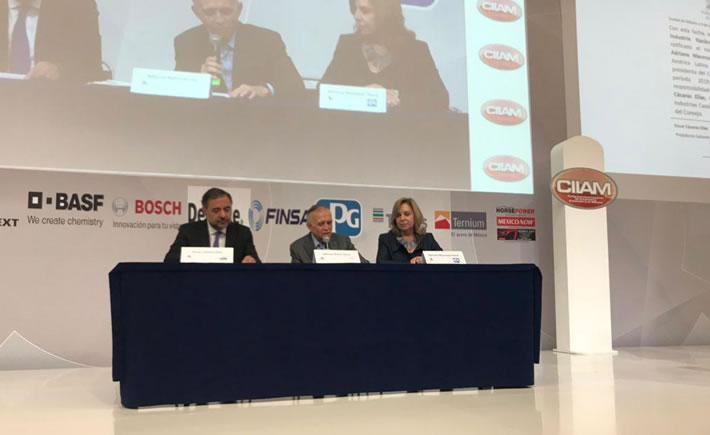 Este martes Adriana Macouzet Flores fue nombrada Presidenta del Consejo Directivo de la Industria Nacional de Autopartes (INA). (Foto: CIIAM)