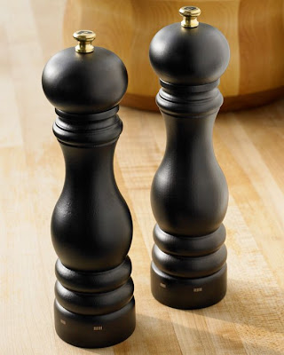 Unique Salt and Pepper Shakers (15) 8