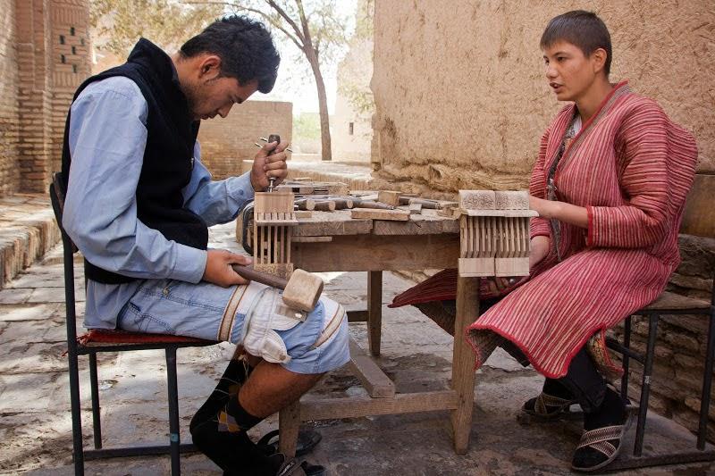 khiva uzbekistan wood work, uzbekistan tours 2015, uzbekistan art craft tours
