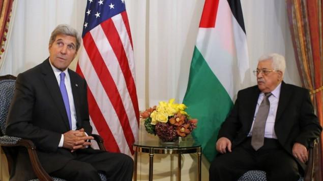 Secretario de Estado estadounidense, John Kerry, con  Mahmoud Abbas, en Nueva York, 19 de septiembre de 2016. (AFP / Kena Betancur)